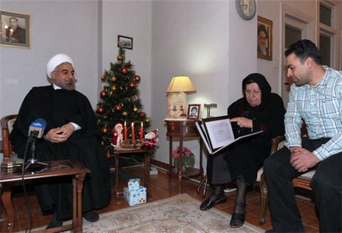 Iranian President Meets Families of Christian Martyrs